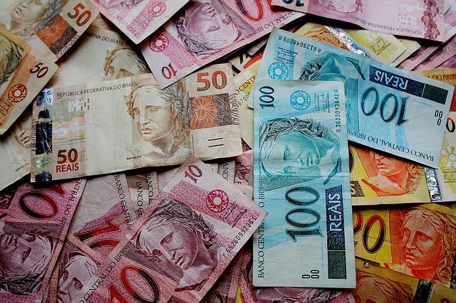 brazilské peníze, barevné bankovky